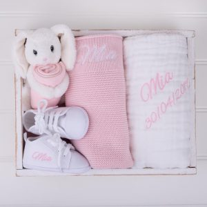 4-piece Pink Knitted Blanket Girl's Baby Gift Box displayed in a box and personalised with the name Mia
