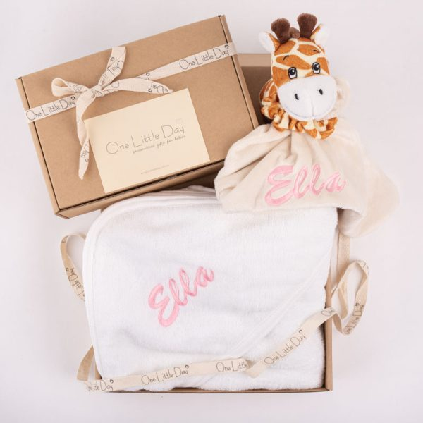 Giraffe Comforter & Hooded Towel Baby gift box embroidered with the name Ella