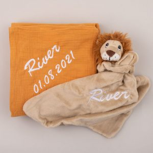 Personalised Yellow Mustard Muslin Wrap & Lion Baby Comforter personalised with the name Willow