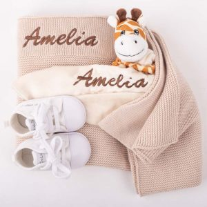 Beige Knitted Blanket, Giraffe Comforter & Shoes Baby Gift Box embroidered with the name Amelia